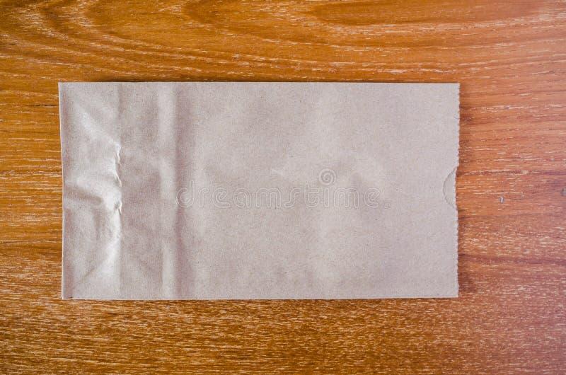 använt brunt gjort papper för påse royaltyfria foton