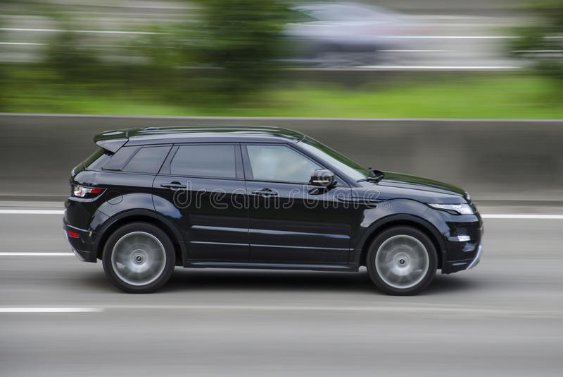 Anversa, Belgio terra Rover Range Evoque del 7 agosto 2016 sulla strada principale AUGUSTO, 7 Anversa, Belguim immagini stock