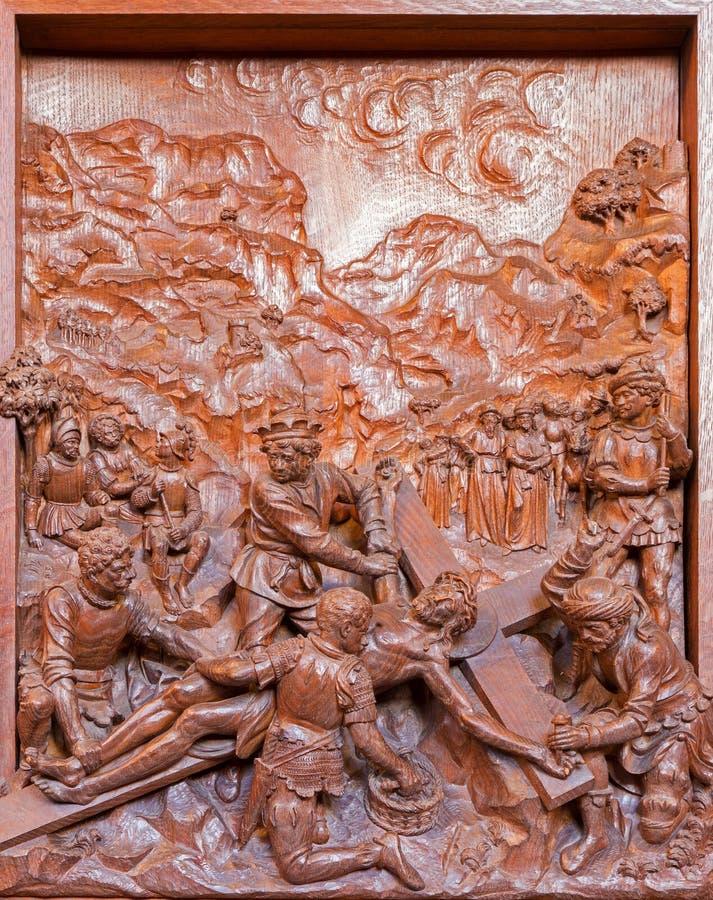 Anversa - sollievo scolpito di crocifissione nella chiesa della st Pauls (Paulskerk) fotografia stock libera da diritti