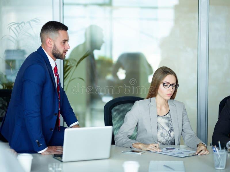 Anweisungs-Sitzung in der Firma lizenzfreie stockbilder