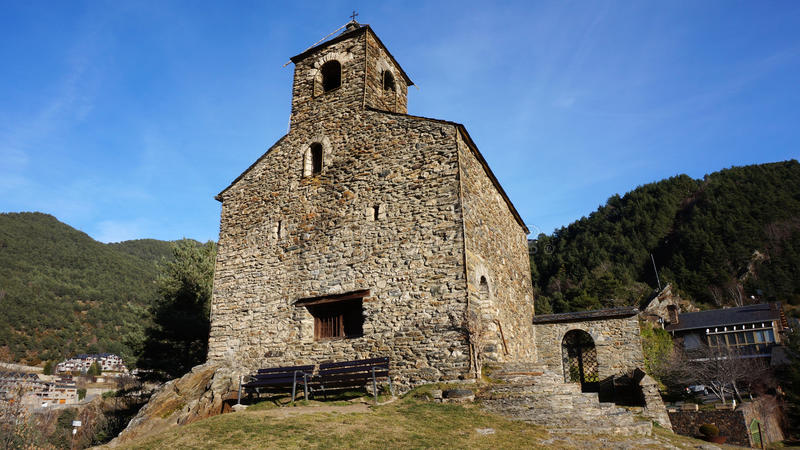 ` Anyos Sant Cristofol d ist eine Kirche, die in Anyos Andorra gelegen ist stockbild