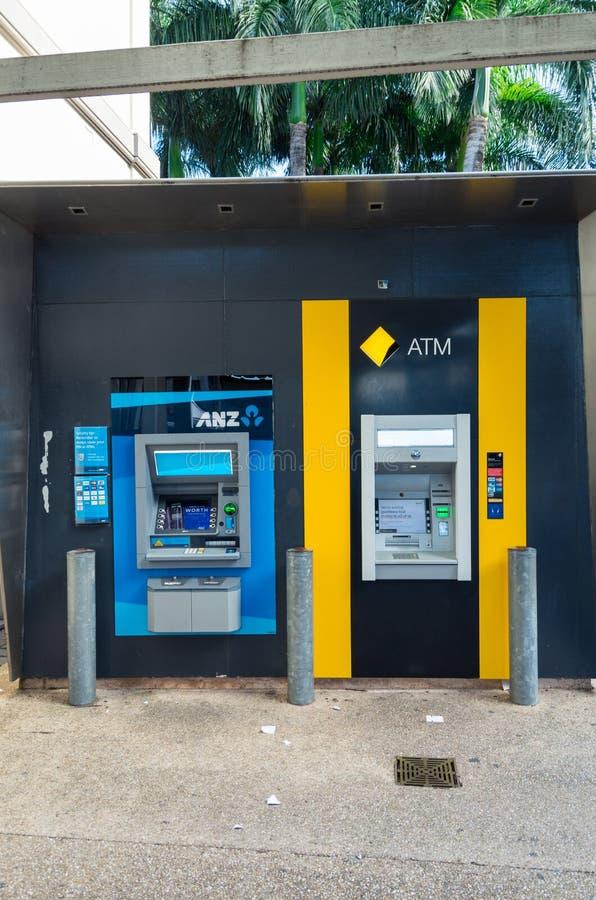 ANZ bank ATMs w Brisbane i Commonwealth Bank, Australia zdjęcie royalty free