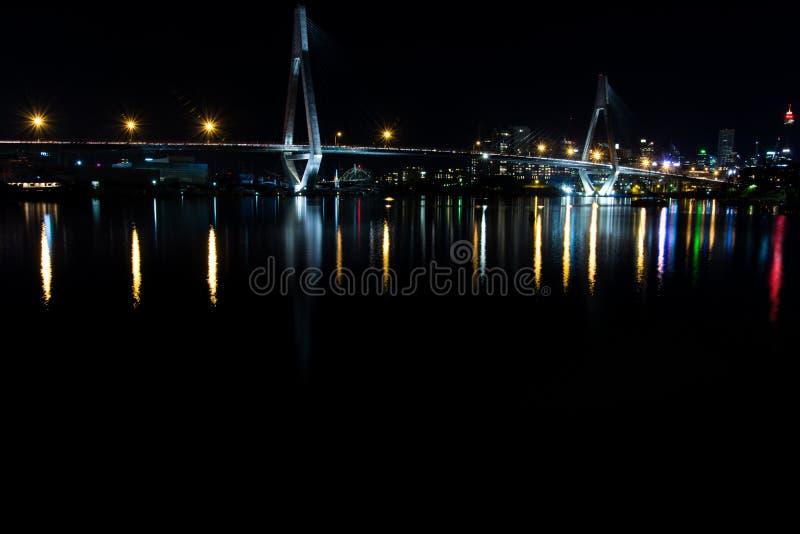ANZ most podczas nocy obrazy stock