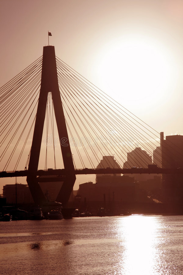 Anzac Brücke in der Abend-Leuchte lizenzfreie stockbilder