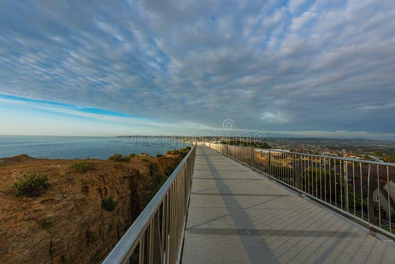 Anzac Pamiątkowy spacer i Prętowa plaża w Newcastle NSW Australia obraz royalty free
