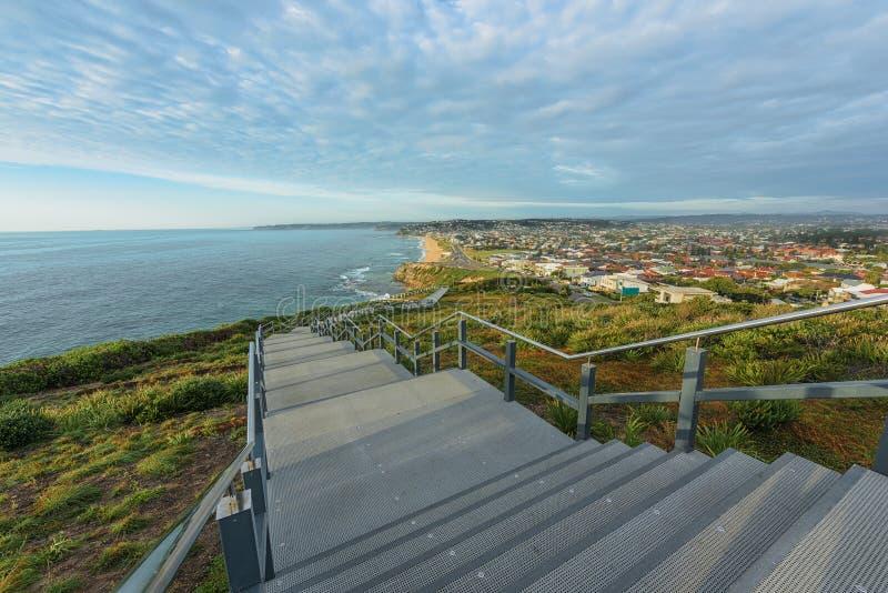 Anzac Pamiątkowy spacer i Prętowa plaża w Newcastle NSW Australia obraz stock