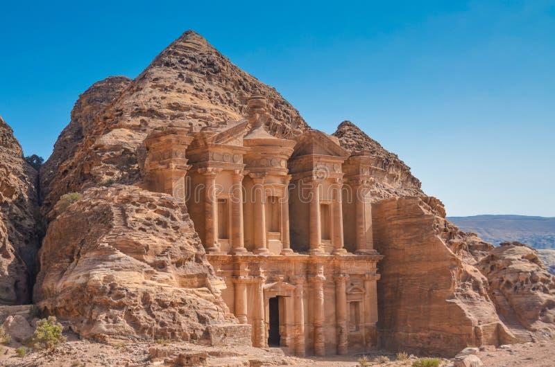 Anzeige Deir u. x28; das Monastery& x29; , PETRA, Jordanien stockfotos