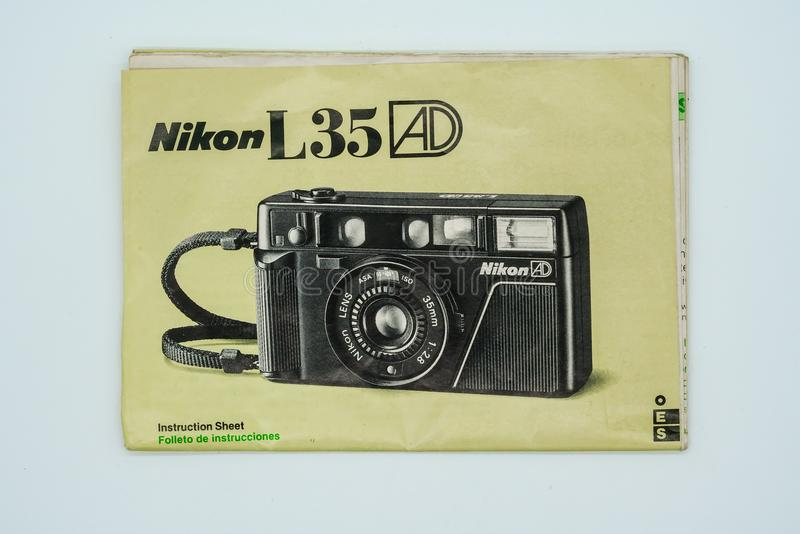 ANZEIGE Nikon L35 Anweisungsblatt Bangkok, Thailand - 3. Januar 2018 lizenzfreie stockfotos