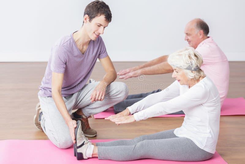 Anziani ed attività di sport immagini stock
