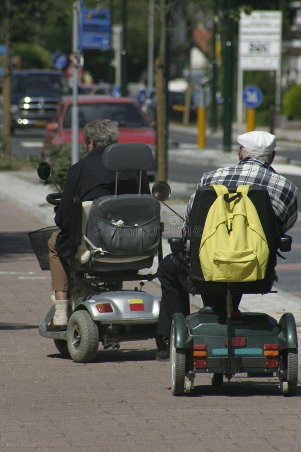 Anziani sul andare! fotografia stock libera da diritti