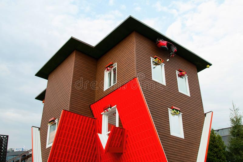 Anziehungskraft-umgedrehtes Haus lizenzfreie stockfotografie