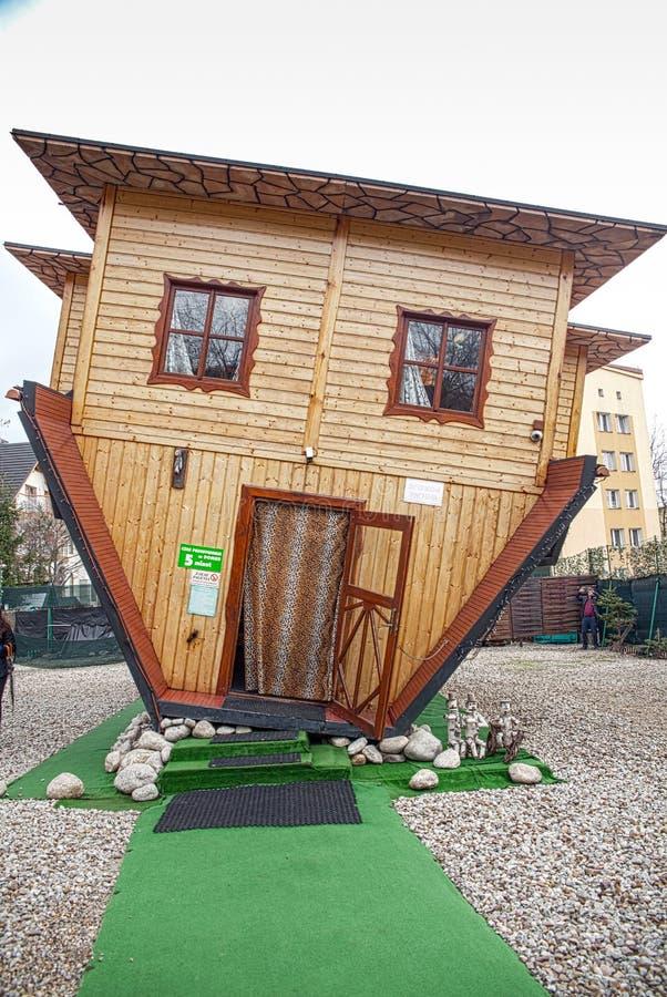 Anziehungskraft-umgedrehtes Haus in Zakopane lizenzfreies stockbild
