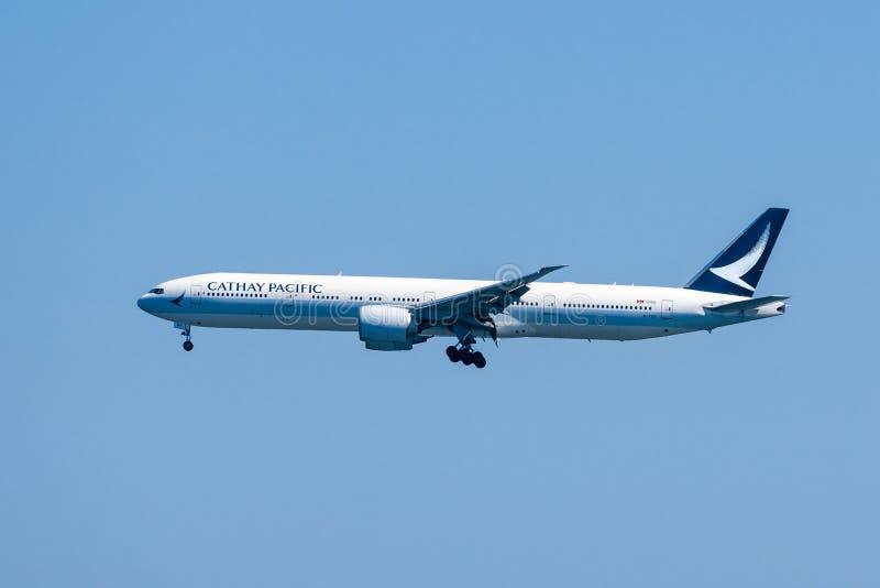 31 août 2019 Burlingame / CA / USA - Cathay Pacific Airways se prépare à atterrir à San Francisco International photographie stock