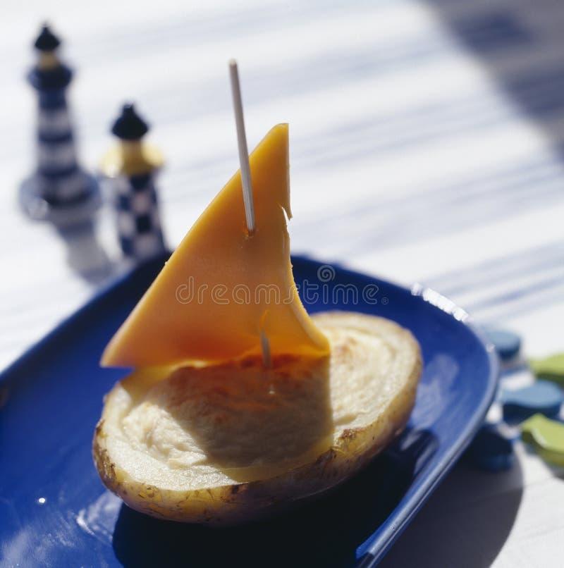 apéritif Bateau-formé de purée de pommes de terre et de cheddar photo libre de droits