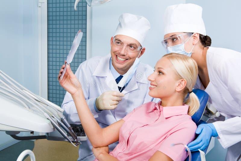 Após o tratamento dental imagem de stock royalty free