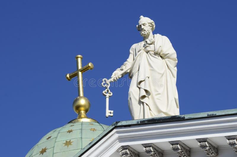 Apóstolo Peter na catedral em Helsínquia imagem de stock