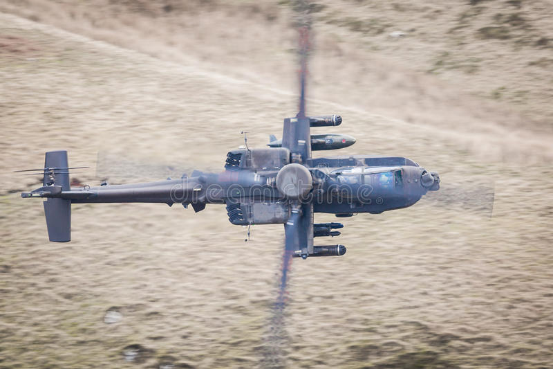 apache flyghelikopter arkivfoton