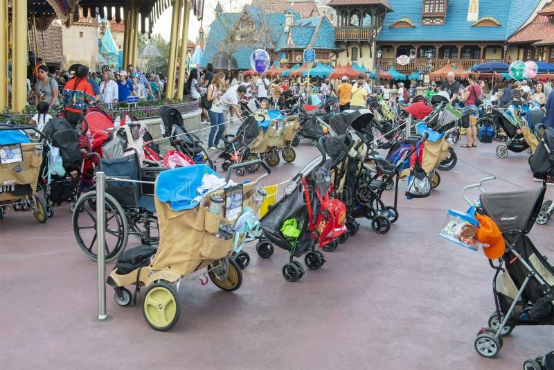 Aparcamiento del cochecito, Disney World, viaje, reino mágico imagen de archivo libre de regalías