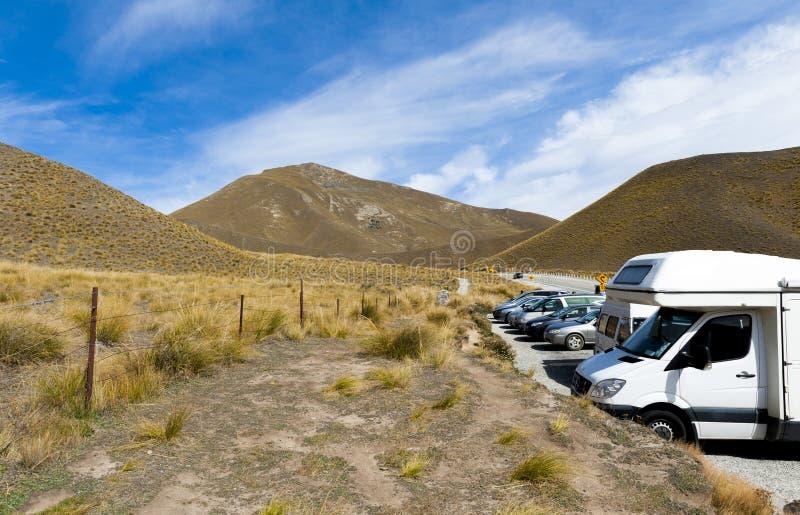 Aparcamiento en el paso de Lindis, Nueva Zelanda imagen de archivo libre de regalías