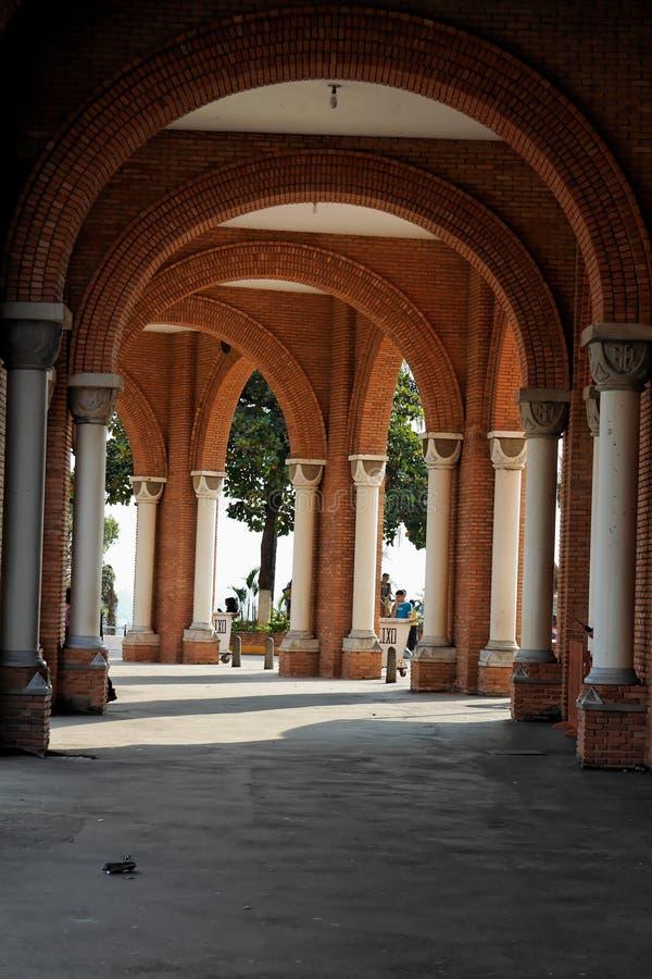 Aparecida成拱形大教堂列 免版税库存图片