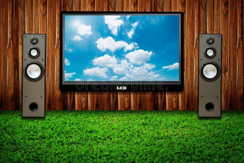 Aparelho de televisão e dois altofalantes fotografia de stock