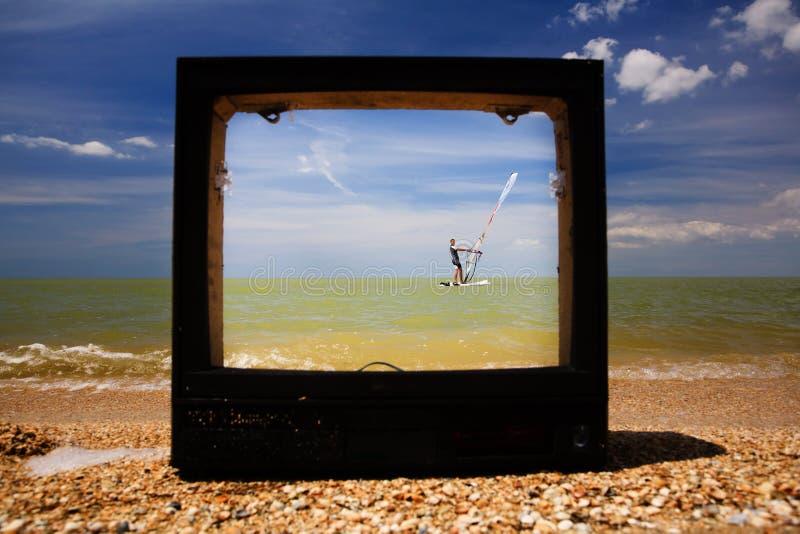 Aparelho de televisão quebrado foto de stock royalty free