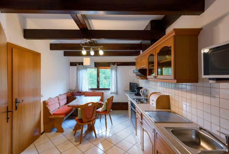 Apartamento com cozinha fotos de stock