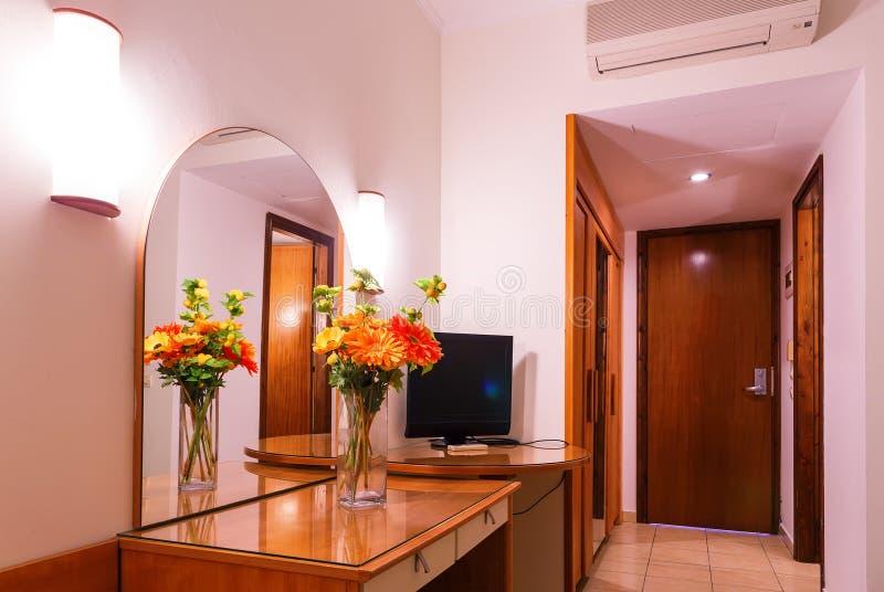 Apartamento de lujo interior en el hotel, sala de estar clásica cómoda imagen de archivo