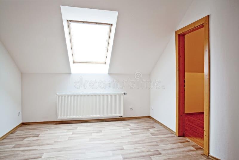 Apartamento do sótão foto de stock