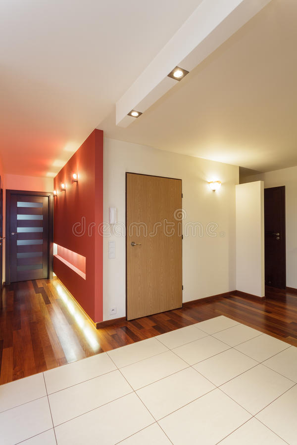 Apartamento espacioso - entrada fotos de archivo