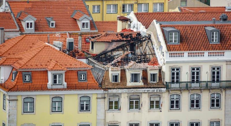 Apartamento quemado del último piso fotografía de archivo