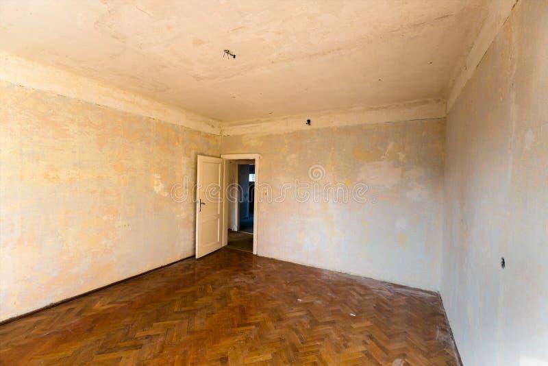 Apartamento a ser renovado imagens de stock