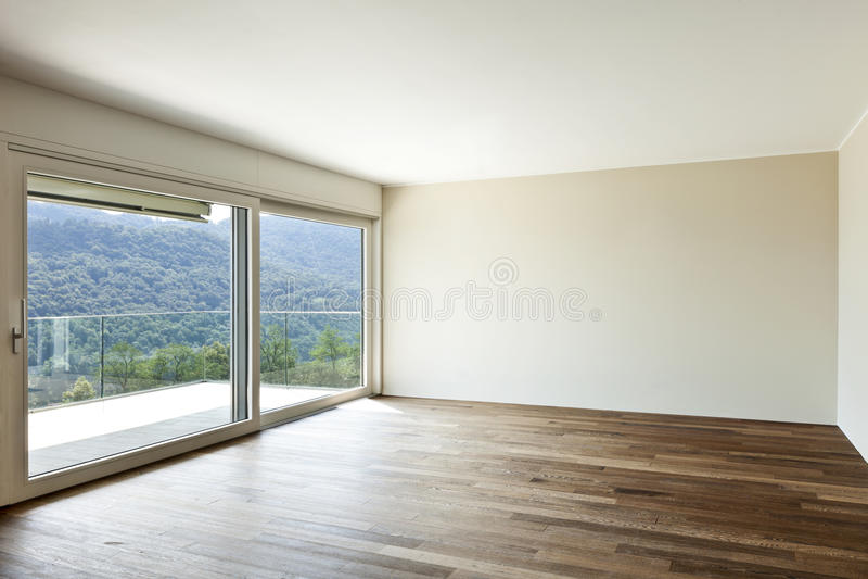 Apartamento vacío con la ventana imagen de archivo libre de regalías