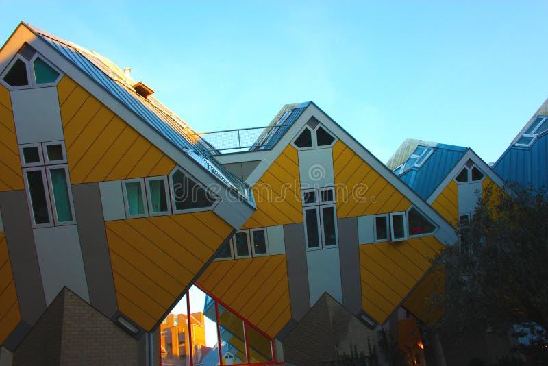 Apartamentos e escrit?rios dentro das casas c?bicas de Rotterdam, cidade metropolitana fotos de stock royalty free