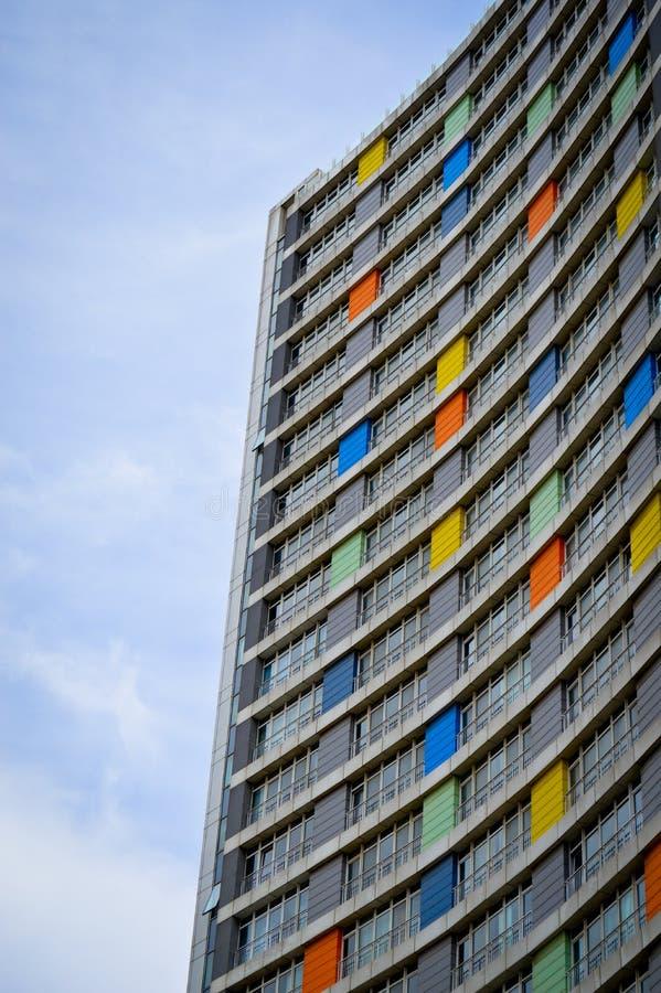 Apartamentos y detalles de vivienda modernos Fachada, centro foto de archivo