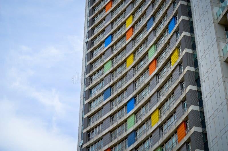 Apartamentos y detalles de vivienda modernos Fachada, centro fotografía de archivo libre de regalías