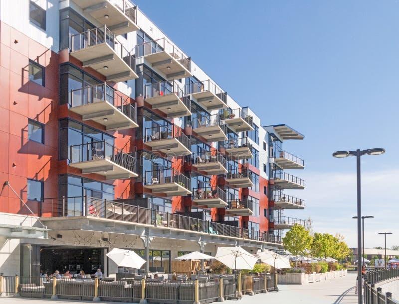 Apartamentos y venta al por menor del puerto del Mohawk foto de archivo libre de regalías