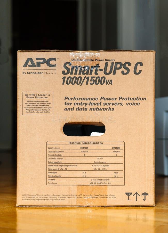 APC slim-UPS C 1000VA LCD 230V uninterruptible bedrijfsniveau royalty-vrije stock foto