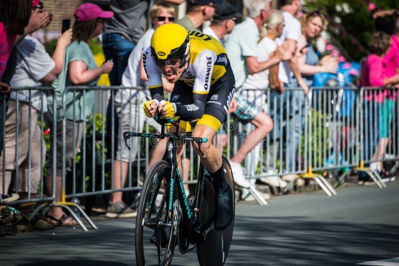 Apeldoorn nederländska Maj 6, 2016; Yrkesmässig cyklist under den första etappen av turnera av Italien 2016 arkivbilder