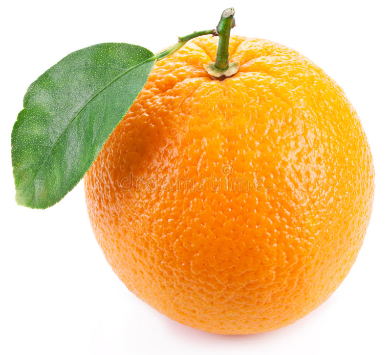 Apelsin med bladet. royaltyfria bilder