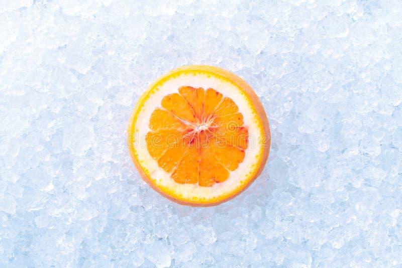 Download Apelsin på is arkivfoto. Bild av orange, citrus, svalnat - 37344814