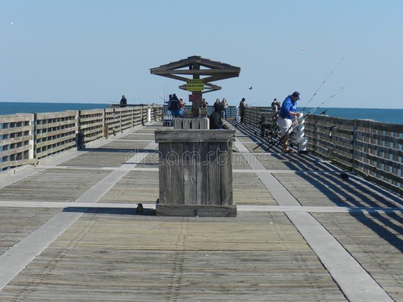 Apelsinen parkerar bron på Atlantic Ocean, Florida royaltyfria bilder