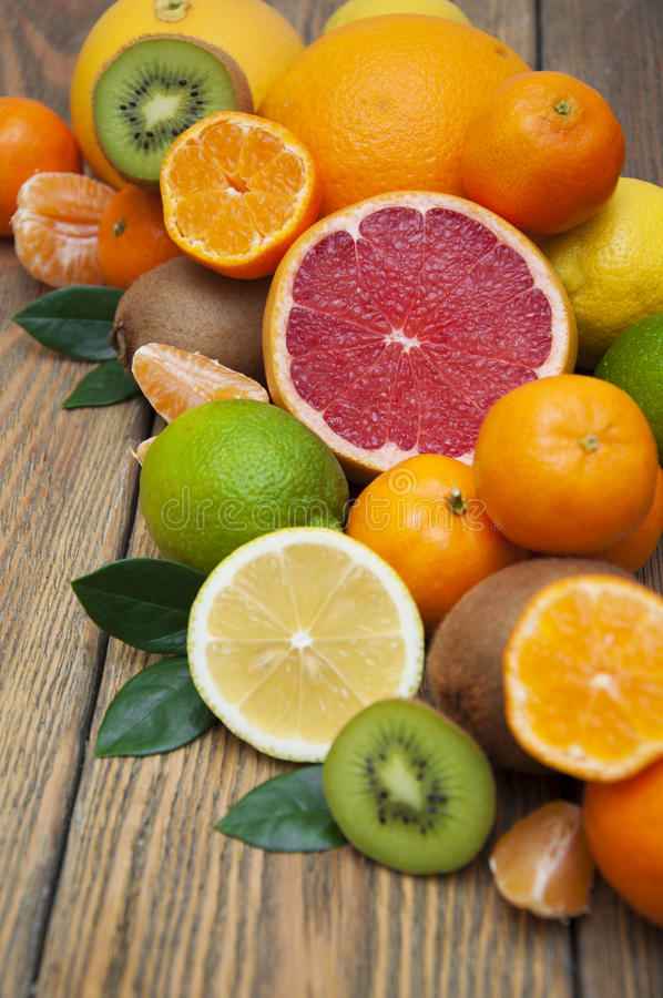 apelsiner för citrusfruktcitronlimefrukter royaltyfri fotografi