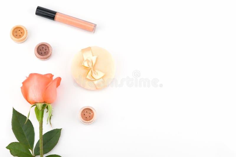 Apelsinros och skönhetsmedel med kopieringsutrymme arkivbilder