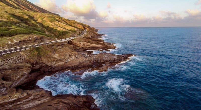Aperçu aérien du rivage du sud-est du ` s d'Oahu image libre de droits