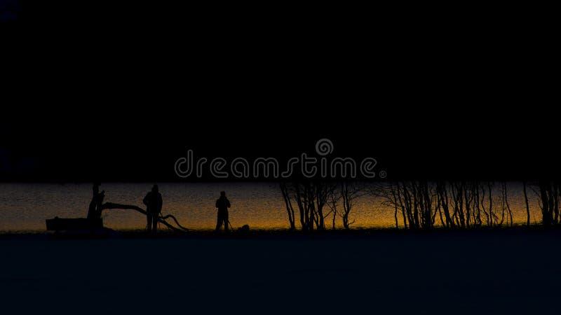 Aperçu de la photographie au coucher du soleil sur le lac de montagne images libres de droits