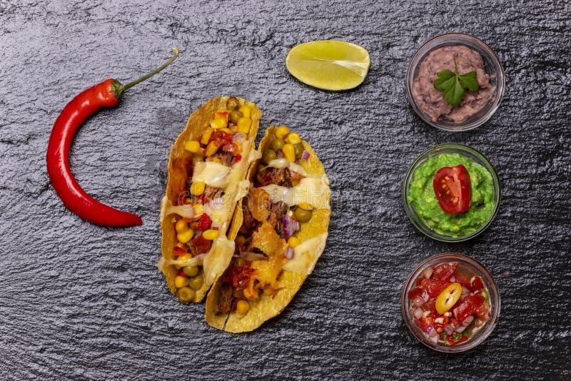Aperçu de tacos cuit au four photo libre de droits