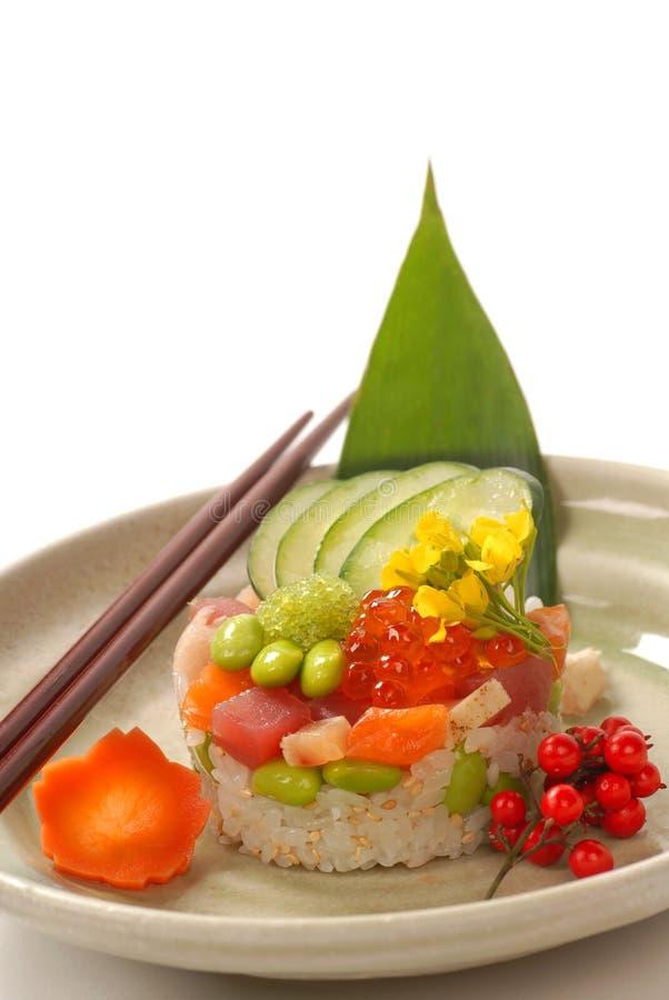 Aperitivo asiático do marisco com legumes frescos foto de stock