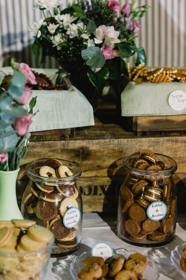 Aperitivos das ideias do alimento do casamento saborosos fotografia de stock royalty free