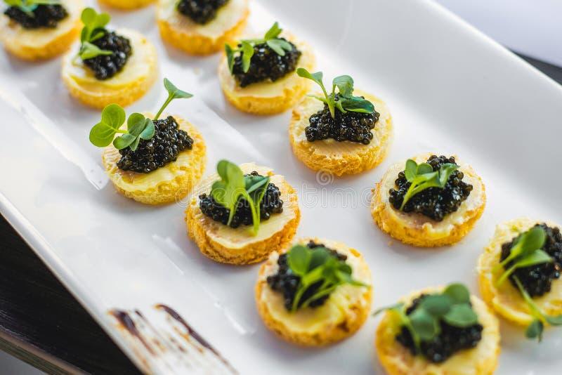 Aperitivos negros del caviar fotos de archivo libres de regalías